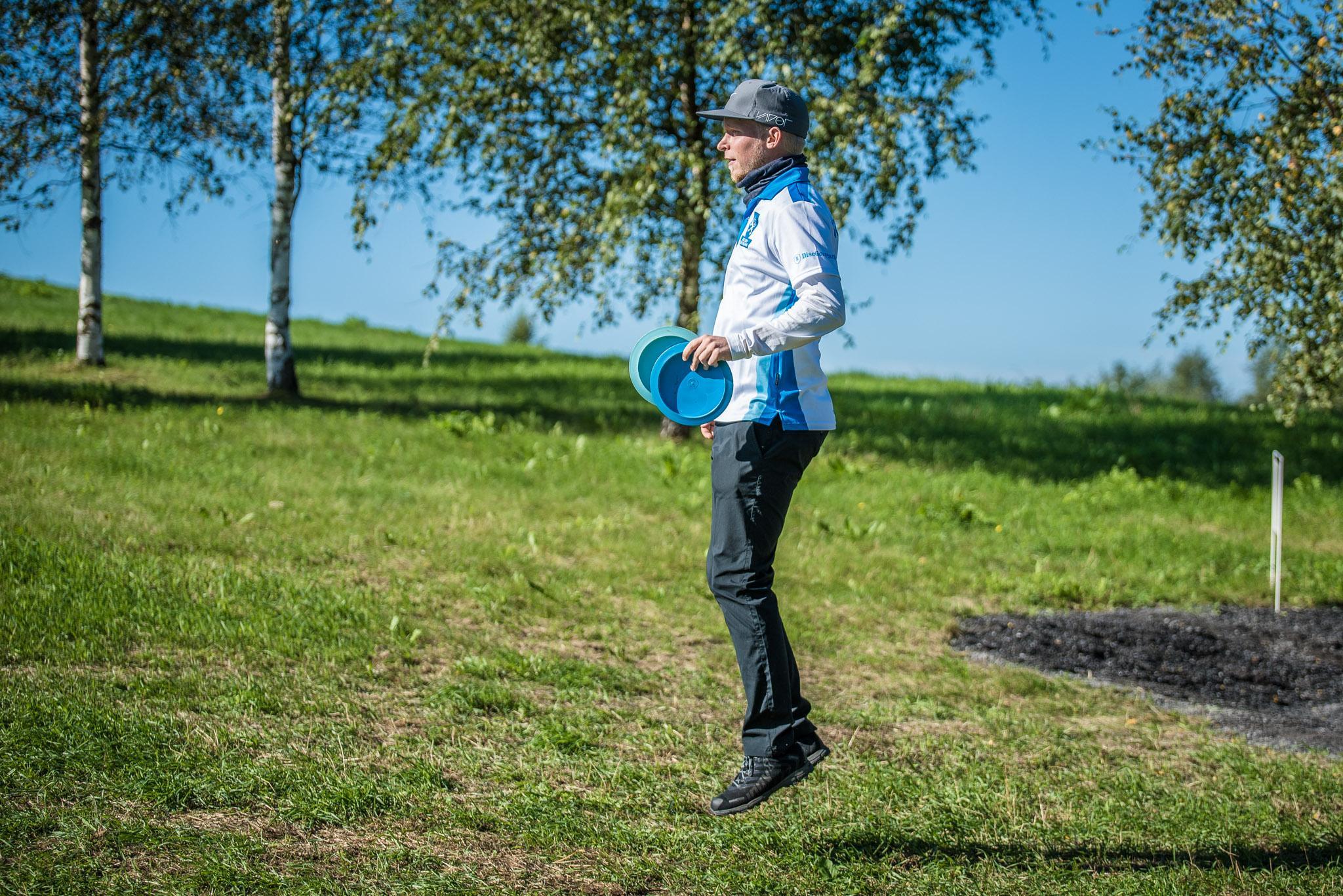 Pasi Koivu ei hätkähtänyt Toppilan tuulia avauspäivänä. Kuva: Eino Ansio / Innova Europe